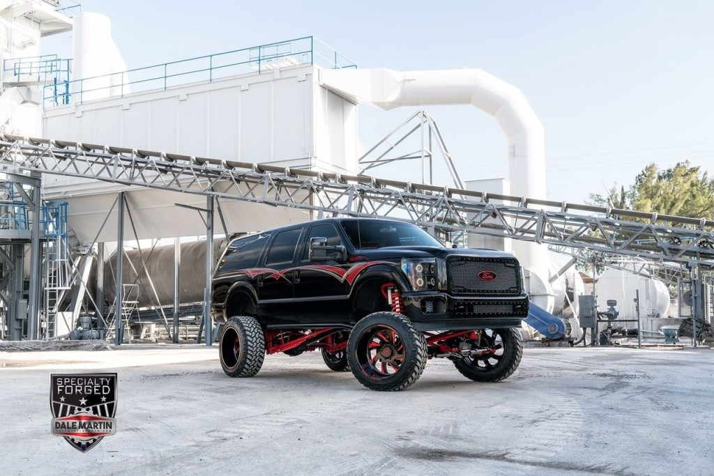 2004 Ford Excursion Custom Show Truck
