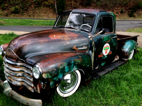 Stunning 1952 Chevrolet Pickups with highly detailed patina for sale