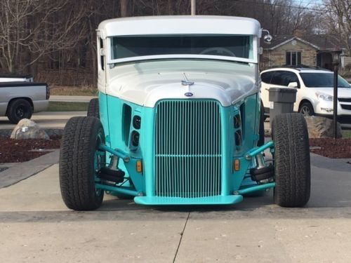 Sharp badass 1933 Ford 1/2 TON Pickup Streetrod custom