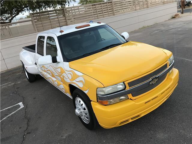 fully equipped 2001 Chevrolet Silverado 3500 LT custom