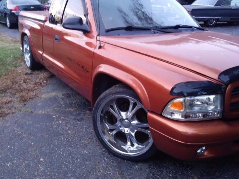 needs battery 2001 Dodge Dakota RT custom truck for sale