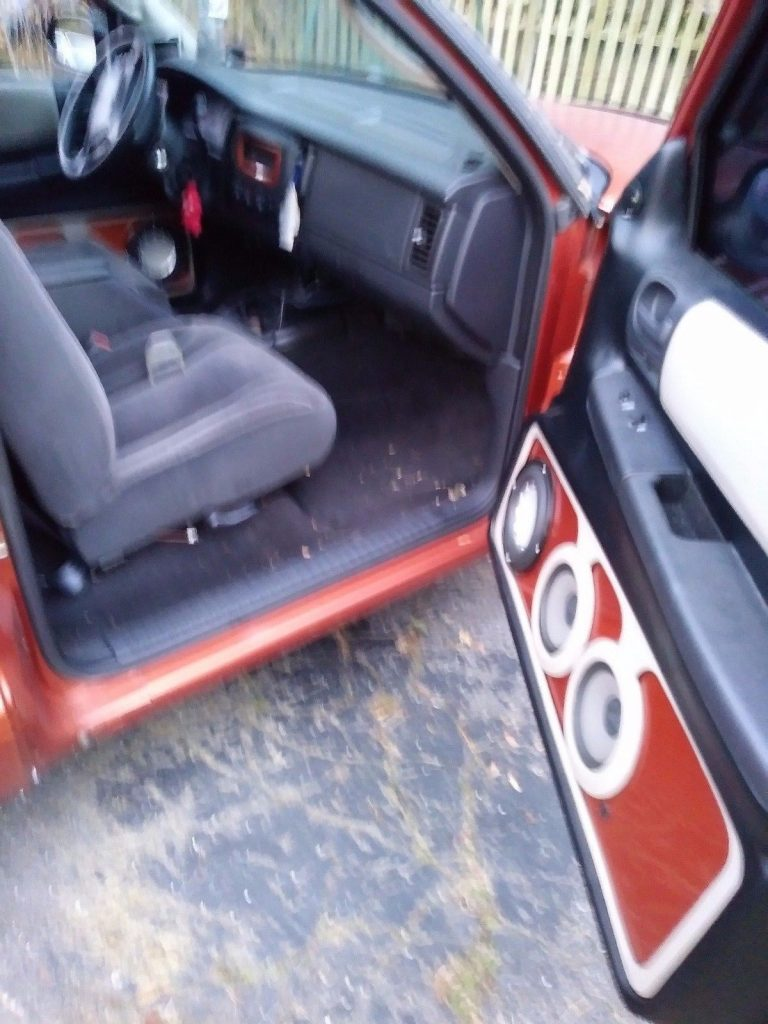 needs battery 2001 Dodge Dakota RT custom truck