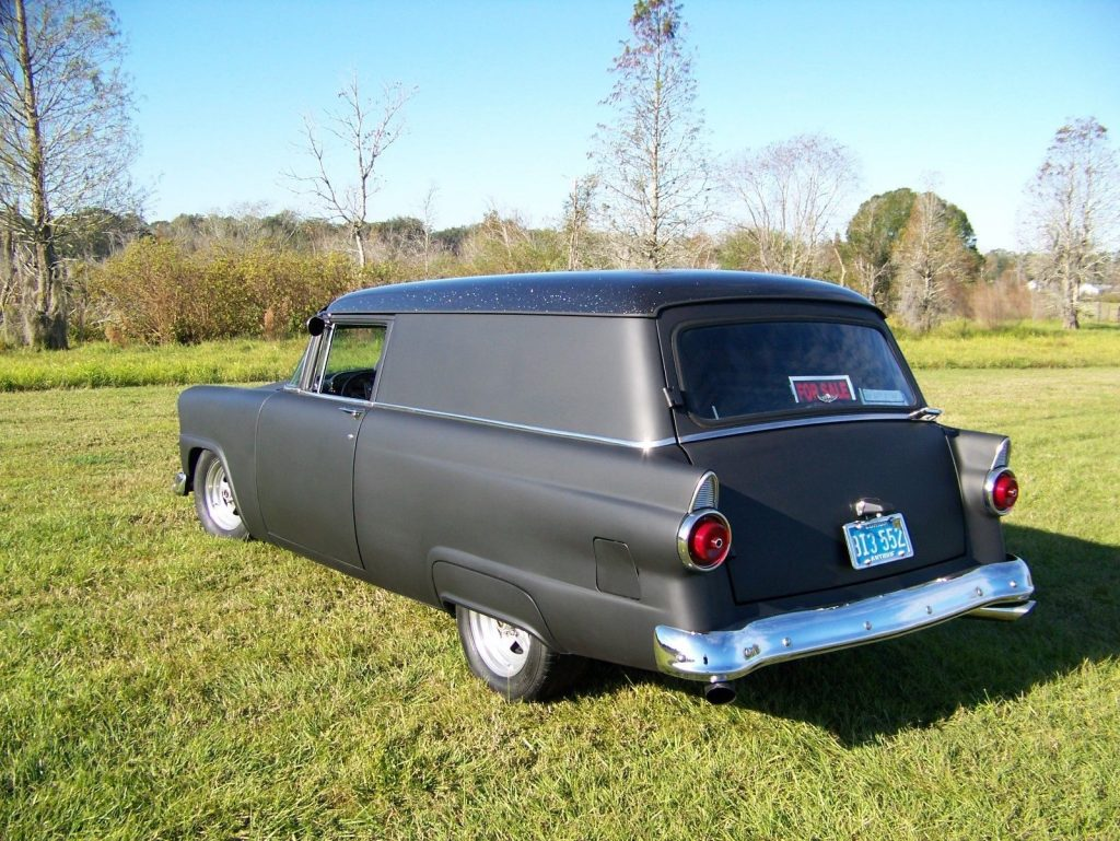 great running 1955 Ford Sedan Delivery custom truck