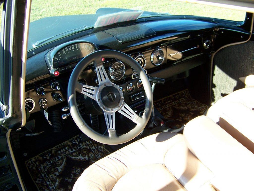 great running 1955 Ford Sedan Delivery custom truck