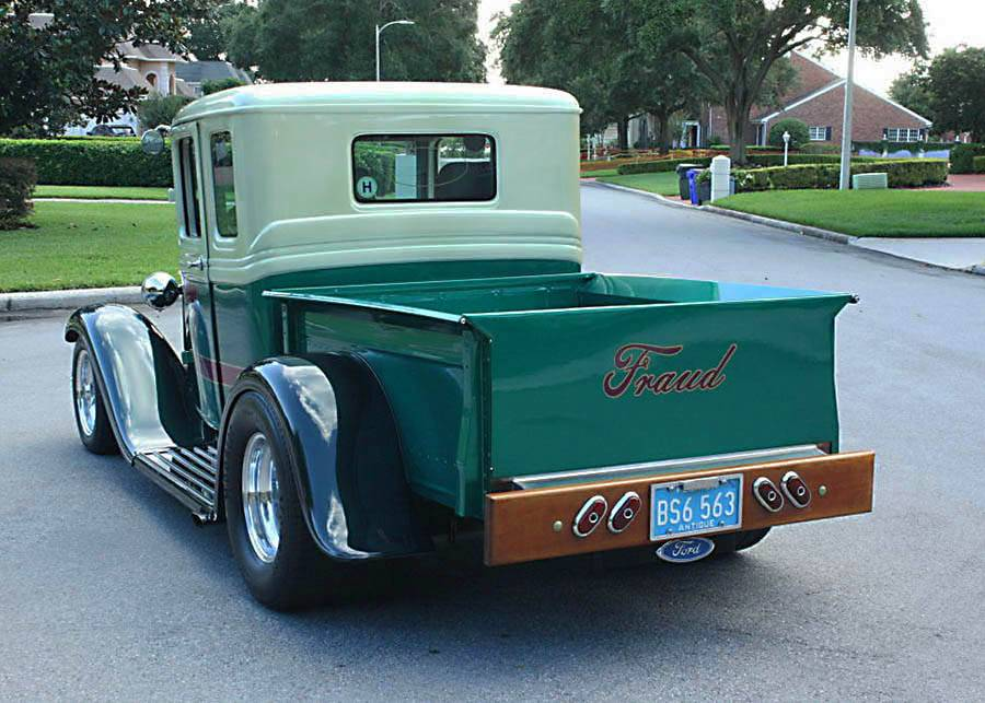 well maintained 1933 Ford FIVE Window custom Pickup
