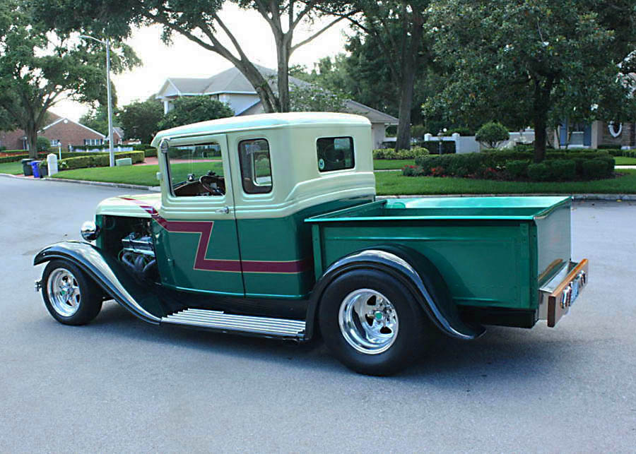 hot rod 1933 Ford 5 Window Pickup custom truck