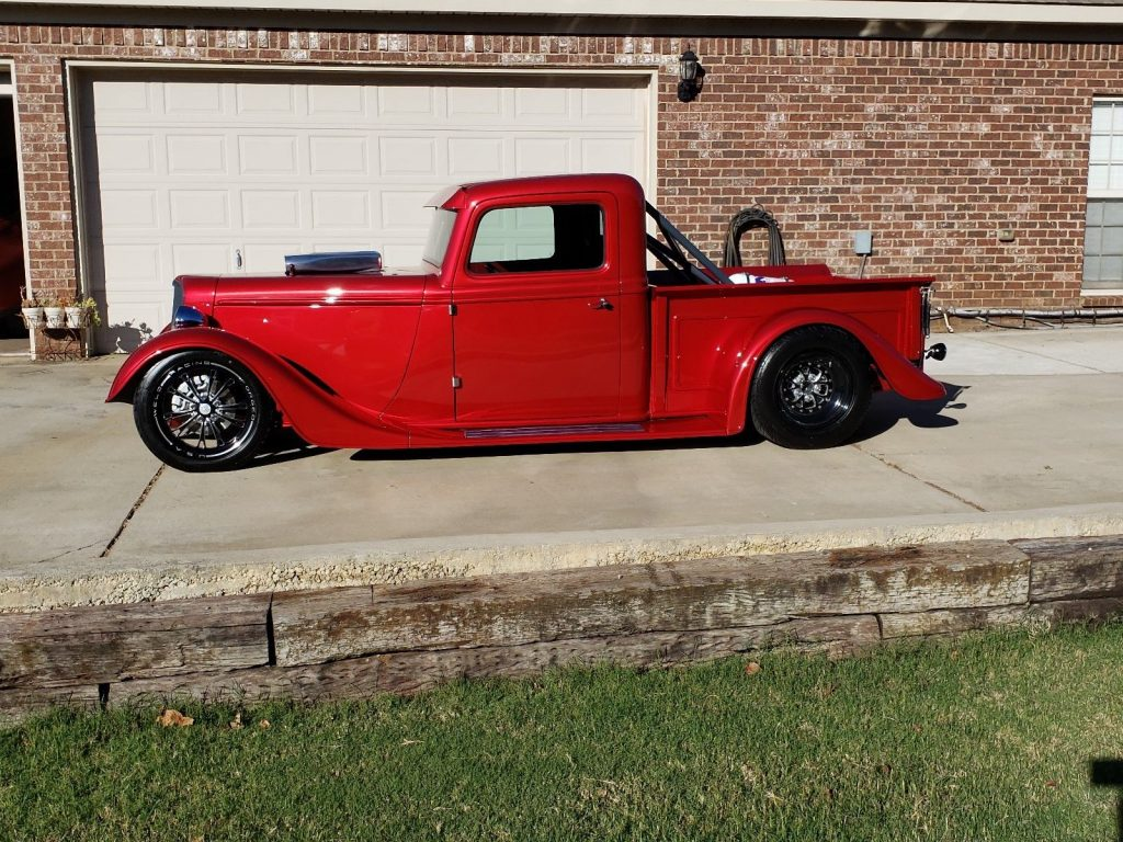 replica 1935 Ford pickup custom