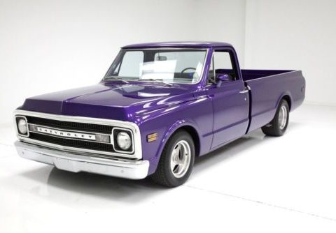 nicely modified 1972 Chevrolet C10 Pickup custom for sale