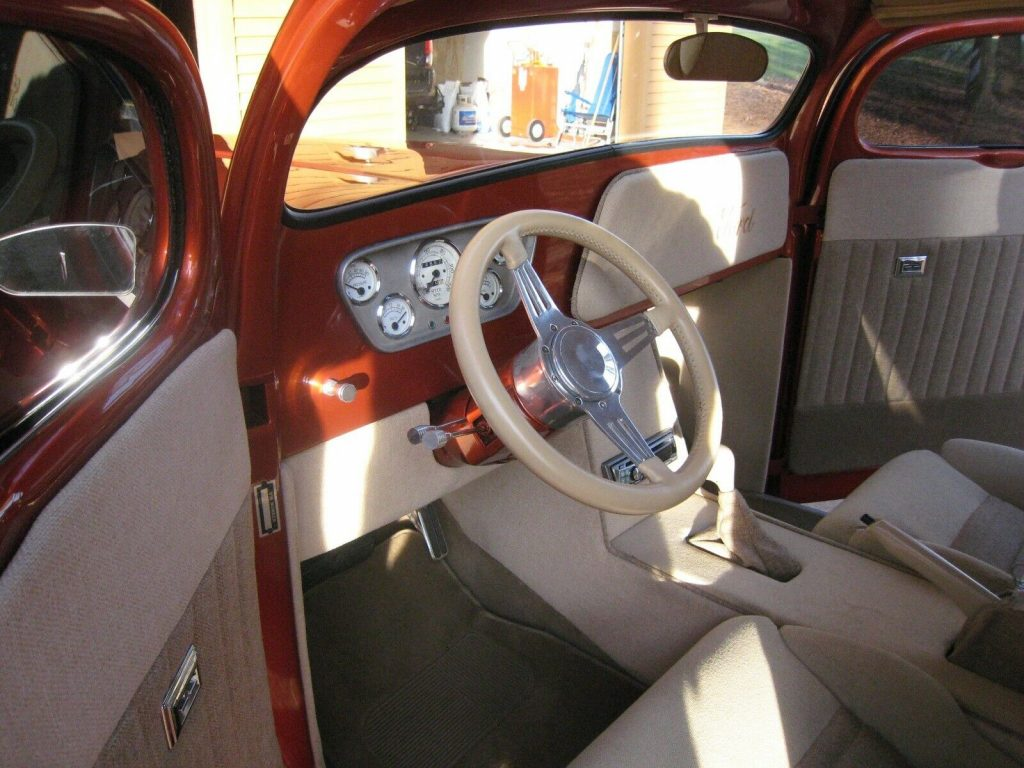 fullly customized 1948 Ford F 100 custom pickup