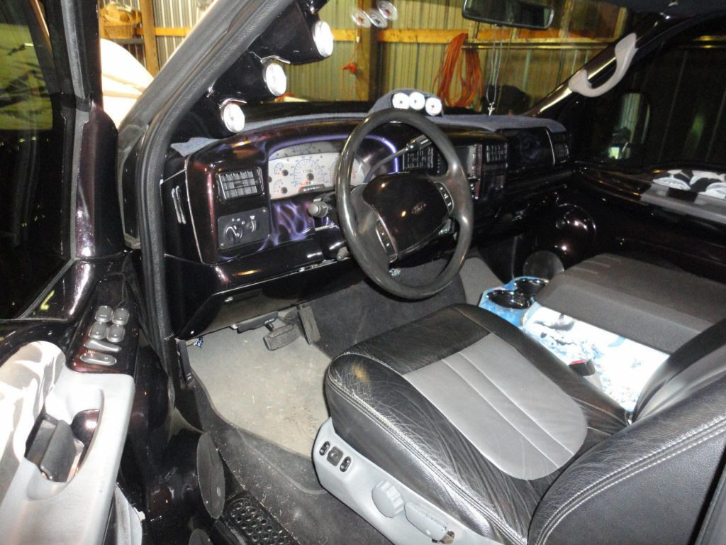 show car 1999 Ford F 350 Custom Dually custom truck