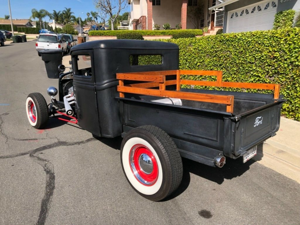 older build 1934 Ford Model A pickup custom