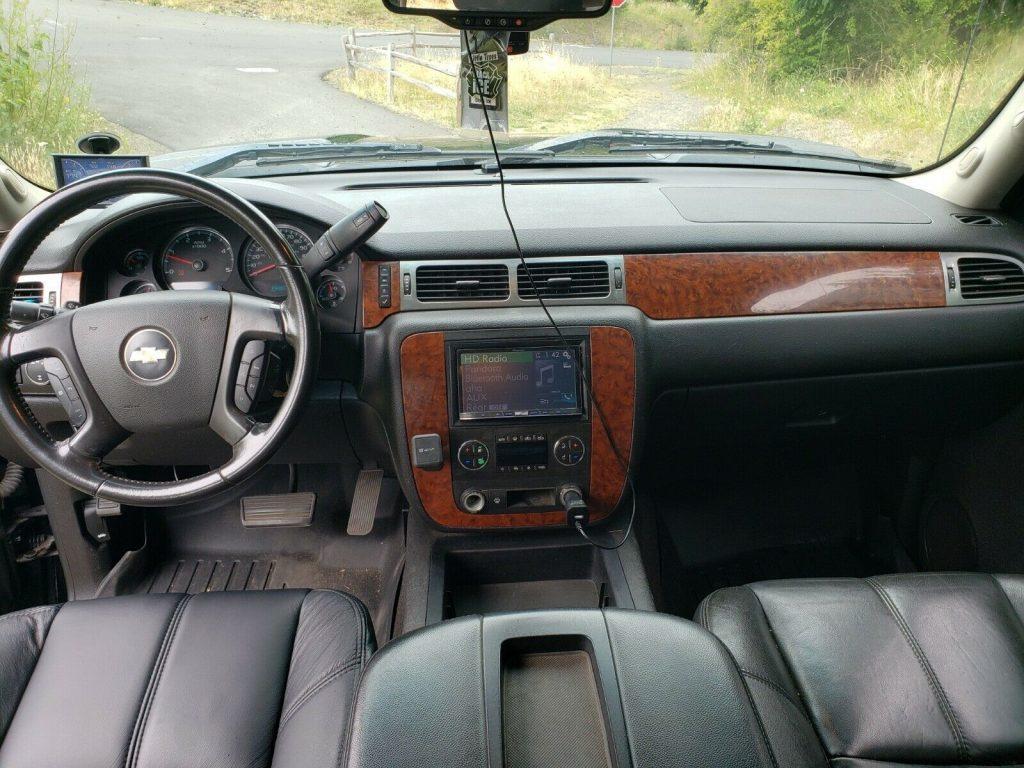 well modified 2007 Chevrolet Silverado 2500 HD LT Z71 custom