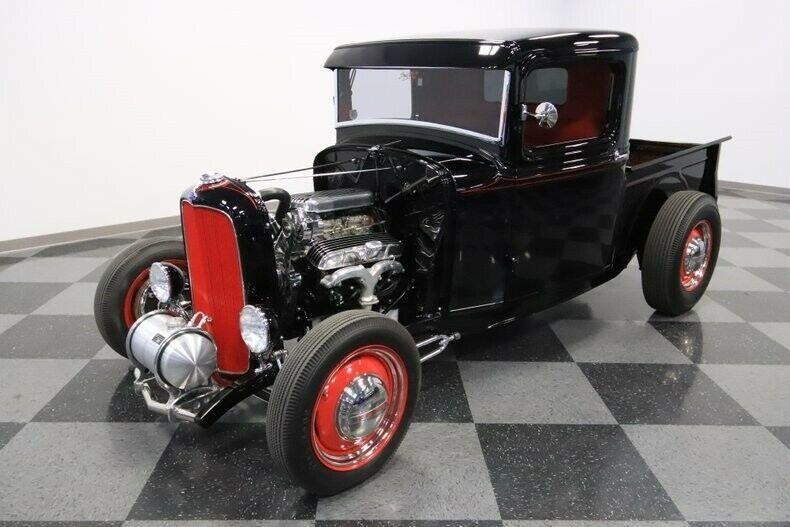 black badass 1932 Ford Pickup custom