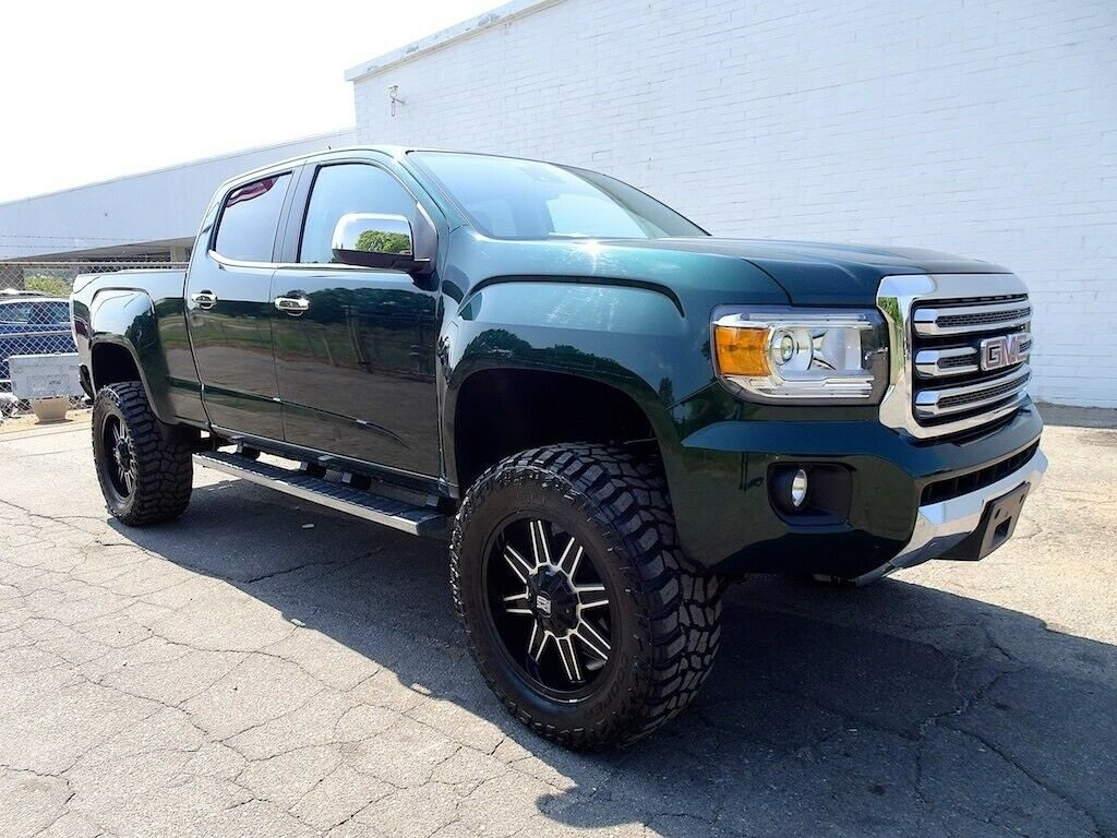 lifted 2015 GMC Canyon SLT custom