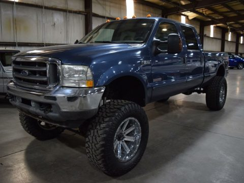 very nice 2004 Ford F 250 Lariat pickup custom for sale