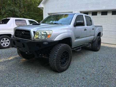 well modified 2007 Toyota Tacoma Crew Cab custom for sale