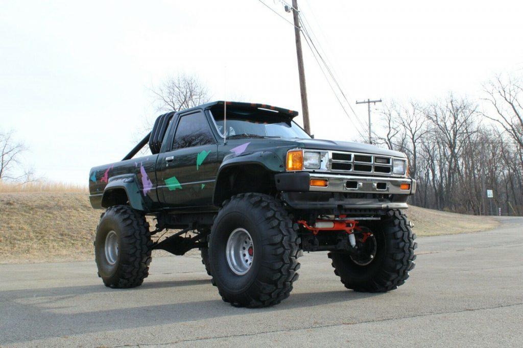 badass 1985 Toyota Pickup SR5 custom truck