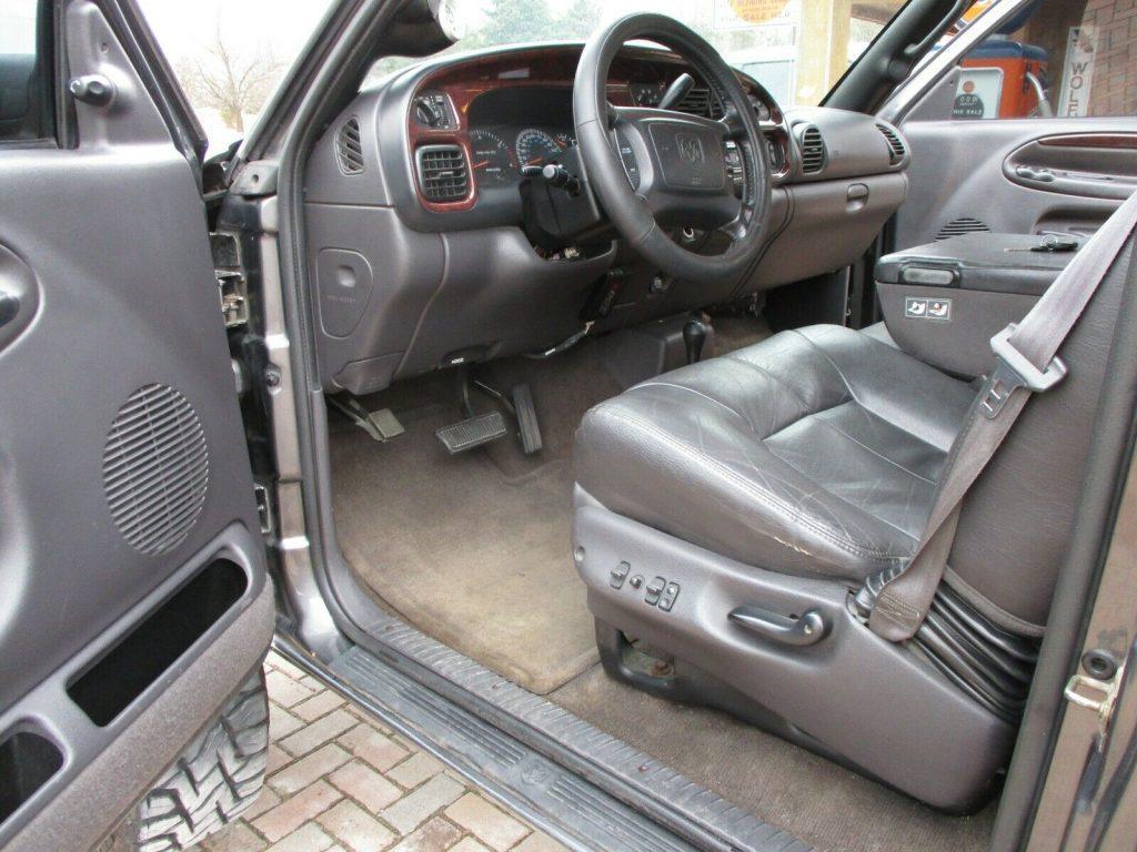 no rust 2002 Dodge Ram 2500 LARAMIE custom