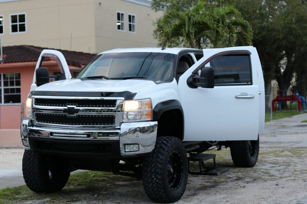 well maintained 2007 Chevrolet Silverado 2500 custom
